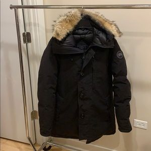 Brand new! Canada Goose Chateau Parka Men's Large.